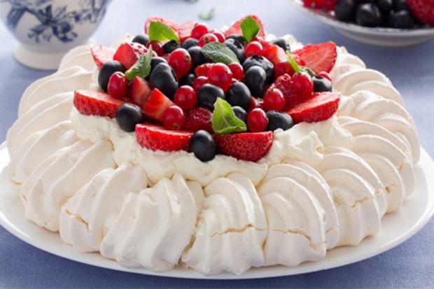 Pavlova-Dessert